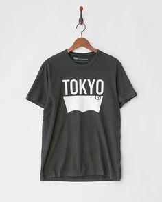 LEVI'S MEN ブラック グラフィックTシャツ