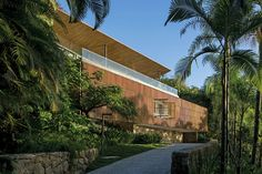 Casa Delta Residential Architecture, Contemporary Architecture, Architecture Design, Tropical Architecture, States Of Brazil, Delta House, Residential Building Design, Infinity Pool, Weekend House