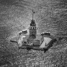 Maiden's Tower (Turkish: Kız Kulesi), Istanbul, Turkey.  #maidenstower #leanderstower #towerofleandros #tower #kızkulesi #kizkulesi #üsküdar #istanbul #turkey #türkiye #bosphorus #istanbulboğazı #boğaz #boğaziçi #architecture #city #colors #landscape #landscapes #travel #vacation #voyager