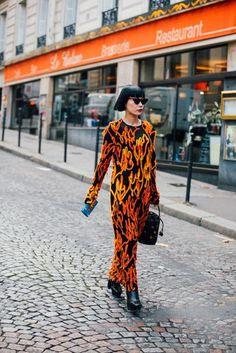 #Paris #FashionWeek #StreetStyle Paris Fashion Week Street Style 2016 | British Vogue