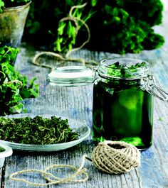 Helppo minttuhyytelö - Reseptit – Kotiliesi Recipes From Heaven, Easter Recipes, Preserves, Pickles, Cucumber, Mason Jars, Goodies, Homemade, Canning