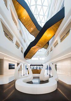 Vondom And Gartenbank Stairs Architecture, Interior Architecture, Interior Design, Lounge Design, Shopping Mall Interior, Atrium Design, Lobby Interior, Home Building Design, Co Working