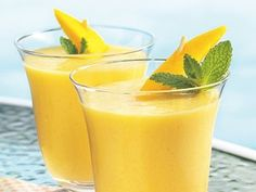 Betty Crocker Cookbook for Women shares a recipe! You're 10 minutes and four ingredients away from a delicious blender drink.