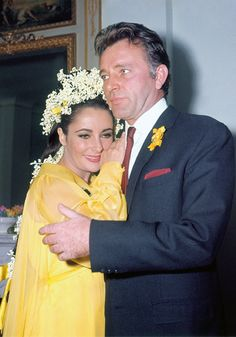 Elizabeth Taylor and Richard Burton finally got married in spring of 1964 - the press still hounded them constantly even though they were an 'old married couple' now.