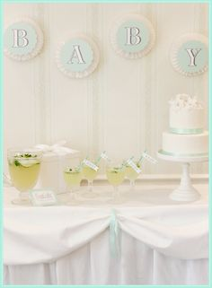 Kate Landers Sip And See Dessert Table. #laylagrayce #lgblog #celebratewithkate