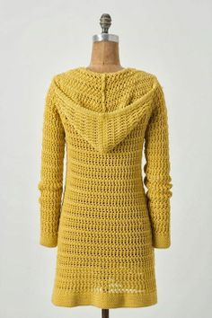 This is one of the first crochet sweaters that I have actually liked. - Crocheting Journal This is one of the first crochet sweaters that I have actually liked. Gilet Crochet, Crochet Coat, Crochet Cardigan Pattern, Crochet Shawl, Crochet Clothes, Crochet Patterns, Crochet Sweaters, Crochet Hoodie, Diy Crochet Jacket