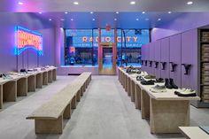 Jonathan Olivares, negozio Camper Rockefeller Center, New York, 2019 Rockefeller Center, Camper Store, Sound Sculpture, Retail Trends, Luxury Marketing, Radio City Music Hall, Beer Bar, Architect Design, Store Design