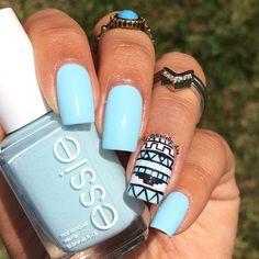 Minimal tribal print nails