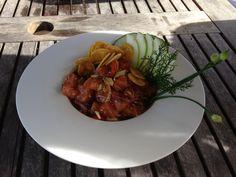 Delicioso prato Ceviche Nikkey (Salmão marinado em uma conserva de gengibre, óleo de gergelim, shoyu e banana) no bar do Hotel Estrela D'agua em Trancoso - Brasil.   http://imoveismlara.wordpress.com/  http://www.marcelolara.com.br