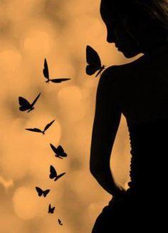 Black and White Photography - Butterflies and Girl - Silhouette Black N White, Black And White Pictures, Black Art, Foto Art, Beautiful Butterflies, Butterflies Flying, Belle Photo, Black And White Photography, Art Photography