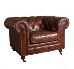 Chesterfield Clubsessel - Lederfarbe: Vintage Cigar Großzügig bemessener klassischer Sessel aus Vintage-Leder mit Messingnieten und typischem Chesterfield-Knopfmuster. #vintageline #living