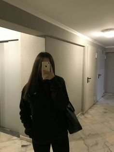 Read Ayna Fotoları from the story Fake Fotoğraflar by giraynehirr (Nehir) with reads. Girl Photo Poses, Girl Photography Poses, Cool Girl Pictures, Girl Photos, Foto Mirror, Girls Mirror, Fake Girls, Fake Photo, Instagram Pose