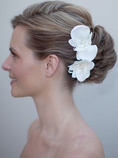 Orchid Bridal Hairpin maybe this @Lindsey Holden