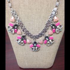 """STELLA & DOT Callie Necklace - New in Box - NWT Beautiful Stella & Dot Callie Necklace  Clear glass, black diamond crystals, and punches of hot pink stones are hand set on a silver plated chain.  18 1/4"""" with 3"""" extender.  Lobster clasp closure  Lead & nickel safe.  MSP: $98 + Tax  Sold out and retired  From a smoke-free and pet-free environment. Stella & Dot Jewelry Necklaces"""