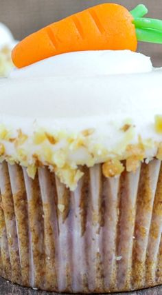 Carrot Cake Cupcakes (Cream Cheese Frosting)