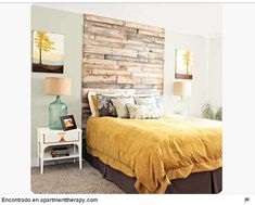 16 DIY Headboard Projects Tons of Ideas and Tutorials! Including this wonderful shipping pallet headboard from the rooster and the hen. Diy Home, Home Decor, Diy Design, Interior Design, Wood Design, Modern Interior, Headboards For Beds, Headboard Ideas, Wood Headboard