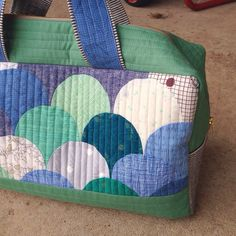 Clammy cargo.  Free pattern by noodlehead for Robert Kaufman ... made by Carolyn Friedlander (who added the clams ;-)