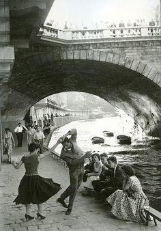Rock and Roll sur les Quais, Paris, c1952 Paul Almasy  (oh, good--have been looking for the source for this forever)