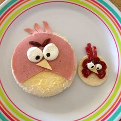 Pin for Later: 61 Food Art Ideas For Kids That Are Almost Too Cute to Eat Hungry Birds What do you get when bologna meets marshmallows meets cheese and crackers? Why, an Angry Birds after-school snack, of course. Food Art For Kids, Cooking With Kids, Lunchbox Kind, Cute Food, Good Food, Childrens Meals, Creative Food Art, Lunch Snacks, Healthy Snacks