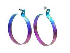 Titanium hoop earrings with silver studs Circle Earrings, Statement Earrings, Hoop Earrings, Stylish Jewelry, Unique Jewelry, Jewelry Ideas, Greek Jewelry, Titanium Jewelry, Metallica