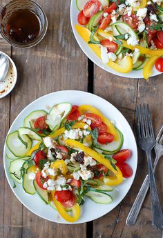 A celebration of summer in a salad: Zucchini Ribbon Mediterranean Salad with Sun Dried Tomato Balsamic Vinaigrette. Bursting with beautiful colors and flavors! Easy Salads, Good Healthy Recipes, Healthy Salad Recipes, Summer Salads, Vegetarian Recipes, Cooking Recipes, Unique Recipes, Free Recipes, Spiralizer Recipes