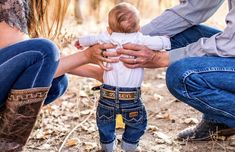 Newborn Cowboy Outfit – Best Outfits to Wear Cute Baby Boy, Cool Baby Boy Clothes, Baby Boy Cowboy, Cute Babies, Newborn Cowboy, Little Cowboy, Camo Baby, Baby Boy Pictures, Western Baby Pictures