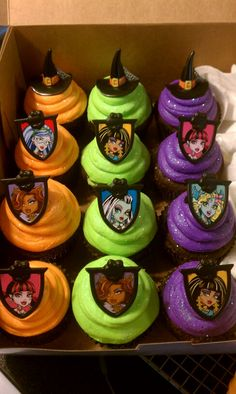 Bright Monster High cupcakes! (I've been a fan of the books since they first came out, read them all! Yes, I'm a collector of all things MH)