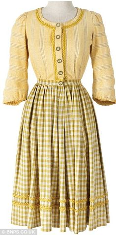 """Yellow top with checked skirt worn by Heather Menzie as """"Louisa Von Trapp"""" in The Sound of Music Broadway Costumes, Cool Costumes, Movie Costumes, Sound Of Music Children, Sound Of Music Costumes, Vintage Outfits, Vintage Fashion, 1960s Fashion, Vintage Dresses"""