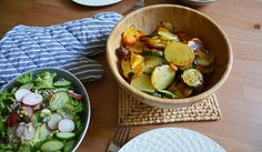 Grilled vegetables from the oven with sour cream dip. So yummy.   Find the recipe here: http://www.mitmilch.at/pixi/archives/8278