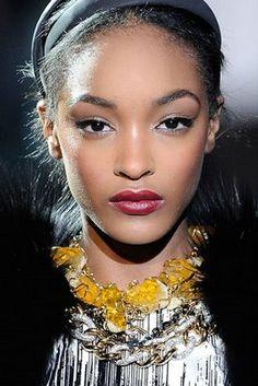 Dolce-Gabbana-Fall-2009-show-Women-Management-New-York-Blog-Jourdan-Dunn-21.jpg 267×400 pixels