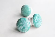 The Pink Doormat: Water Marbled Drawer Knobs