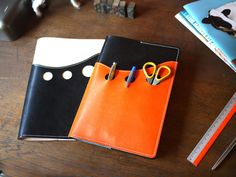 Leather Submarine Notebook Cover | Pagemarker. pagemarkerblog.wordpress.com - 550 × 413