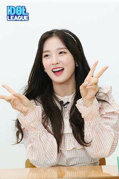 South Korean Girls, Korean Girl Groups, Arin Oh My Girl, Sweet Girls, Arm Warmers, Kpop Girls, Asian Beauty, Ulzzang, Asian Girl