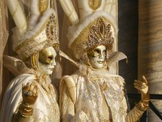 Google Image Result for http://travel.smart-guide.net/wp-content/uploads/2010/02/Carnival-of-Venice-Masks.jpg