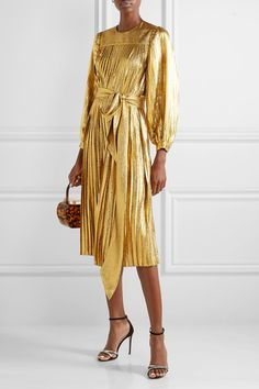 Gold silk-blend Buttons and concealed snap fastening at back silk, metallic fibers Dry clean Gold Gown, Gold Dress, Metallic Dress, Metallic Gold, Elegant Dresses, Dress To Impress, Marc Jacobs, Fashion Online, Luxury Fashion