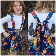 30 Ideas for crochet baby skirt with suspenders Toddler Skirt, Baby Skirt, Romper With Skirt, Flowy Skirt, Girls In Suspenders, Diy Bebe, Skirts For Kids, Suspender Dress, Skirt Tutorial