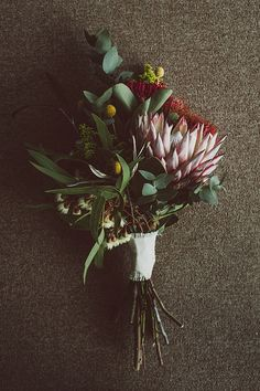 I love how different this bouquet is <3