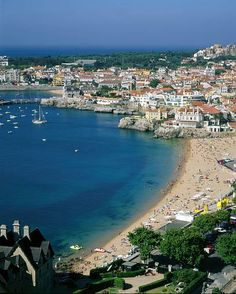 Die Kleinstadt Cascais, 25 Kilometer westlich von Lissabon, ist der Urlaubsort der Schönen und Reichen Portugals. Die Stadt hat einen Yachth... Junta de Turismo da Costa do Estoril/Turismo de Portuga