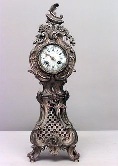 French Louis XV clock/mechanical desk clock bronze