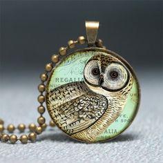 Vintage Barn Owl Pendant Bird Pendant Resin Pendant by artyscapes Owl Pendant, Bronze Pendant, Resin Pendant, Tree Pendant, Vintage Bee, Vintage Fairies, Vintage Sewing, Owl Necklace, Resin Jewelry