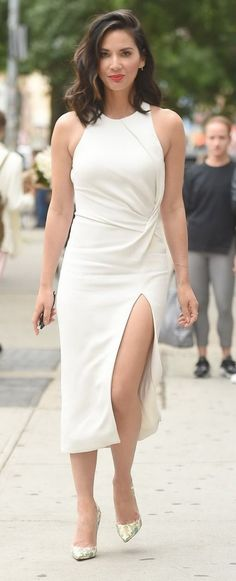 Olivia Munn in Cushnie Et Ochs out in NYC. #bestdressed