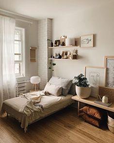 133 cozy dorm room decor ideas - page 44 > Homemytri. Minimalist Bedroom Small, Minimalist Decor, Minimalist Lifestyle, Contemporary Bedroom, Modern Bedroom, Bedroom Neutral, Bedroom Black, Bedroom Vintage, Modern Contemporary