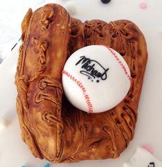 Baseball glove Fondant Cake