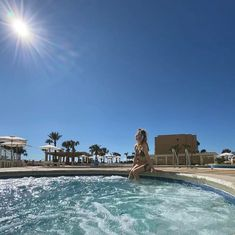 Hot tub time is always a good time, especially with a backdrop like this. When you choose our hotel on the Gulf of Mexico, enjoy private poolside cabanas, an on-site restaurant and more.   📷: @savvymarketingavl Pensacola Beach Hotels, Site Restaurant, Gulf Of Mexico, Tub, Backdrops, Around The Worlds, In This Moment, Mansions, House Styles