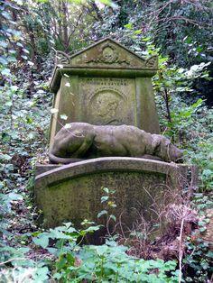 highgate cemetery | phoebe reid | Flickr