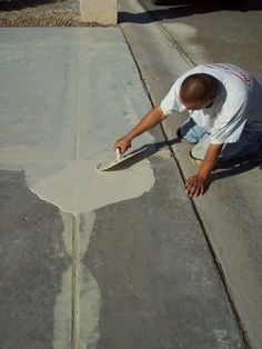 You've been working really hard on your home's curb appeal and there's one thing that has you stumped – the driveway. Do you repair the cracks or bite the bullet and replace the whole driveway? It'… concrete Repair Concrete Driveway, Diy Driveway, Concrete Driveways, Walkways, Stained Concrete Driveway, Concrete Floors, Asphalt Driveway, Driveway Ideas, Cement Patio