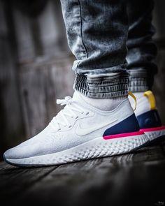5e10569ef2 Nike Epic React Flyknit Zapatos Hombre Deportivos, Zapatos Nike Hombre,  Zapatillas Blancas Hombre,