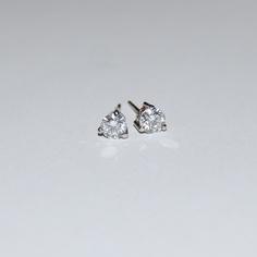 Commission; Diamond set, Platinum, 3x claw stud earrings. www.bianchi-rocks.com