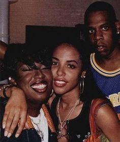 jay face lookin like 2017 😦 #keepitmoving 😜           #jayz #jigga #hov #hova #missyelliott #misdemeanor #aaliyah #aaliyahhaughton #ripaaliyah #hiphop #backintheday #90sstyle #90s #nostalgia #throwback #wcw #wce #mce #rapper #rnb #melanin #melaninmagic #darkskin #blackmen #blackgirls #blackgirlmagic #blackgirlsrock #blackmensmiling #2017 #2018 #poppington #potd #streetstyle #streetfashion #ootdinspo
