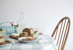 Laura Ashley Blog | STYLING A RELAXED SUMMER TABLE WITH CATE | http://blog.lauraashley.com